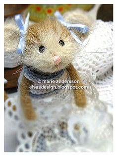 Miss Elsa virkblogg: Keyboard & Teddy Bears
