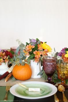 Thanksgiving, Thanksgiving table ideas, centerpiece, inspiration, tablescape, table settings, Thanksgiving dinner, pumpkins, flowers