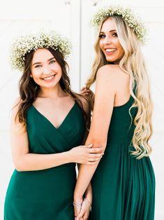 Gorgeous emerald green bridesmaid dresses from Thread Bridesmaid! Bridesmaid Dresses Mismatched Boho, Emerald Green Bridesmaid Dresses, Emerald Dresses, Affordable Bridesmaid Dresses, Bridesmaid Dresses Online, Bridesmaid Dress Styles, Wedding Dresses, Vestidos Color Verde Militar, Hunter Green Dresses
