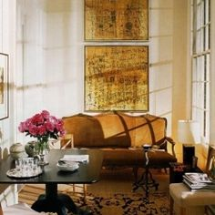Gold and gild fill these spaces with glamour: be inspired to gild the lily.  <3<3