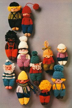 Kids Knitting Patterns, Knitted Doll Patterns, Crochet Flower Patterns, Crochet Motif, Knitting Projects, Knitted Dolls Free, Knitting For Charity, Yarn Dolls, Knitted Animals
