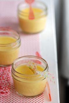 Mango panna cotta for a Bollywood night / Crèmes à la mangue et soirée Bollywood