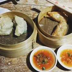 Wotiek and kechak fusion china recipe and indonesian taste Lokasi di mie butho ijo. Tukad barito  #balikoala #kuliner #food #foodies #foodgasm #chinese #dimsum #bali #kuliner #indonesia #appetizer #desserts #steam