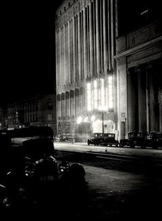 The El Capitan Theatre at night - Hollywood Blvd, downtown Los Angeles - 1926 - photographer E.O. Hoppe'.