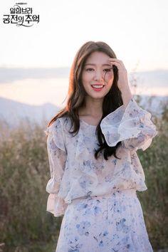 Korean Actresses, Korean Actors, Korean Celebrities, Celebs, Hyun Bin, Couple Outfits, Korean Beauty, Ulzzang Girl, Korean Girl