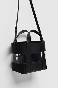 Zara, Rainy Day Fashion, Mini, Creations, Backpacks, Handbags, Purses, Merchandising Ideas, Leather Bags