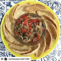 """Esta obra de arte são nossas Barquetes com o Antepasto De Tomasso @detommasobr.  Linda foto da queridissíma Vanessa @vanessaspina061089. #Repost @vanessaspina061089 with @repostapp ・・・ E as """"barquetes"""" vieram de brinde com a torta . @donamanteiga  #barquetes#tomasso#petisco#gastronomia#gastronomy#saopaulo#donamanteiga#ruapamplona#jardimpaulista#jardins#brasil#feriado"""