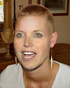 Katie Couric tries the buzz Funky Short Hair, Really Short Hair, Super Short Hair, Short Hair Cuts, Short Hair Styles, Shaved Hair Women, Shaved Hair Cuts, Shaved Nape, Shaved Head