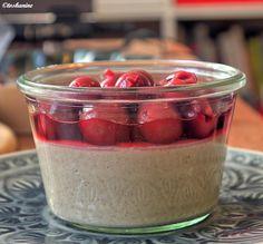Das perfekte Zimtpudding mit Schattenmorellen-Rezept mit einfacher Schritt-für-Schritt-Anleitung: Die 3 Eigelbe mit der Stärke und 100 ml Milch glatt…