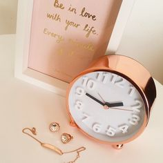 Lisa T Rose Gold Love. I kind of want to incorporate rose gold/copper into my decor. - A Interior Design Rose Gold Rooms, Rose Gold Decor, Gold Everything, Gold Bedroom, Copper Bedroom Decor, Modern Bedroom, New Room, Decoration, Room Inspiration