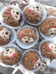 Life Lately - Christmas and More! Hedgehog Cupcake, Hedgehog Birthday, Mini Cakes, Cupcake Cakes, Cupcake Ideas, Santa Bread, Cake Craft, Tea Gifts, Food Festival