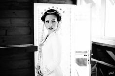 Javanese traditional wedding | http://www.bridestory.com/svarna-ikat-indonesia/projects/andien-and-ippe