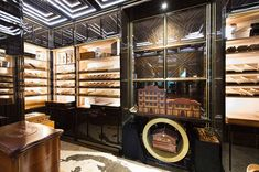 Humidors Cigars Time - The Wellesley Hotel