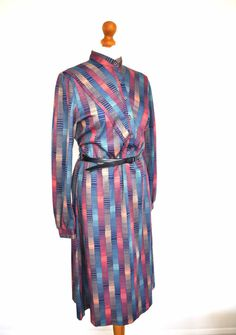 Vintage 70s Dress Long Sleeves Geometrical Pattern Blue Green Pink Beige Size L