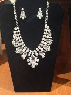 Add a bit of Iridescent to the jewelry to really make it sparkle. #spoiledgirl #necklace #boutique #bride #bridesmaid