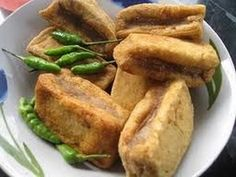 tahu bakso Indonesian Desserts, Indonesian Cuisine, Savory Snacks, Snack Recipes, Cooking Recipes, Good Food, Yummy Food, Healthy Food, Asian