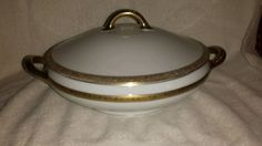 ROYAL BAYREUTH COVERED ROUND CHINA SERVING DISH WITH GOLD TRIM