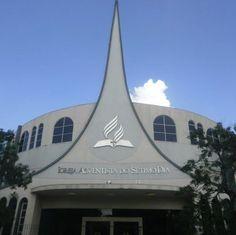 Igreja Adventista do Sétimo Dia Central de Londrina, em Londrina, estado do Paraná, Brasil.