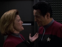 "Star Trek: Voyager Screencap--""The Void""...""Hey, I've known you for ages, and I'm making a cheesy joke, but I'm gonna be 5 inches from your face 'cuz I'm Captain Janeway."""