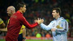 Cristiano Ronaldo, Lionel Messi, Neymar, Zlatan Ibrahimovic bohaterami wzruszających chwil • Piękne momenty w piłce nożnej • Zobacz >>