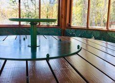 Millainen liina pyöreään pöytään, jossa on pyörivä keskiosa? Outdoor Furniture, Outdoor Decor, Dining Room, Table, Home Decor, Decoration Home, Room Decor, Tables, Home Interior Design