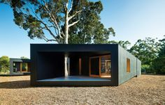 Best Ideas For Modern House Design : – Picture : – Description Karri Loop House by MORQ fits around three indigenous Australian trees Australian Architecture, Australian Homes, Residential Architecture, Contemporary Architecture, Interior Architecture, Interior Design, Room Interior, Prefab Homes, Modular Homes