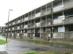 Low-rise flats at Sighthill Wynd, Edinburgh (2011) pic M J Richardson