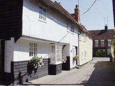 Photograph of a narrow lane in Bradford Street, Braintree, Essex, England