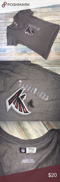 "NWT NFL Atlanta Falcons Logo Tee •NFL •Size XL  •Pit 20"" •Length 26.5"" •Condition: New With Tags  Basic grey front with Falcons logo. NFL Tops Tees - Short Sleeve"