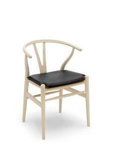 Frêne-CH24 (Wishbone or Y chair), Hans Wegner. Carl Hansen (from 599€)