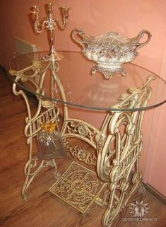 Trendy sewing machine singer tips 39 Ideas Repurposed Furniture ideas machine sewing Singer Tips Trendy Furniture Projects, Furniture Makeover, Diy Furniture, Sewing Machine Tables, Antique Sewing Machines, Old Sewing Tables, Decoration Shabby, Shabby Chic Decor, Repurposed Furniture