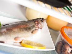 Wie lagert man Lebensmittel im Kühlschrank am besten? ist ein Artikel mit neusten Informationen zu einem gesunden Lebensstil. Auch die anderen Artikel von EAT SMARTER bieten Neuigkeiten zu den Themen Ernährung, Gesundheit und Abnehmen.