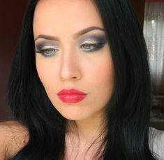 Gorgeous Examples of Winter Makeup Retro Makeup, Sexy Makeup, Beauty Makeup, Hair Makeup, Hair Beauty, Makeup Inspo, Winter Wedding Makeup, Winter Makeup, Beautiful Eye Makeup