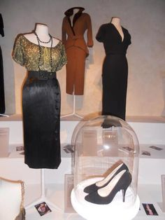 """Marilyn Monroe - """"Bus Stop"""" - Costume designers : Travilla & Charles Le Maire Marilyn Monroe Outfits, Marilyn Monroe Costume, Marilyn Monroe Tattoo, Norma Jean Marilyn Monroe, Hollywood Fashion, Hollywood Costume, Fashion Tv, Vintage Hollywood, Fashion Outfits"""