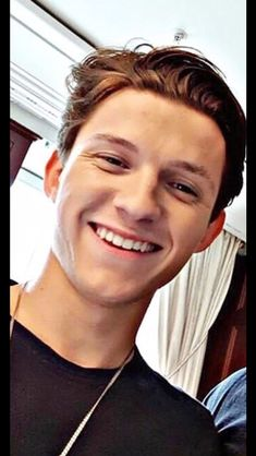 Tom Holland is the new Spider-Man Tom Holand, Baby Toms, Tom Holland Peter Parker, Tommy Boy, My Tom, Men's Toms, Wattpad, To My Future Husband, Celebrity Crush
