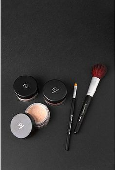 100% Pure Mineral Makeup Set - StyleSays