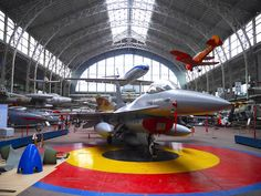 Enthroned proudly in the  aviation hall in the centre, Royal Museum of Army and Military History Brussels, the F-16 in the colours of the Kingdom of Belgium © Fabrice Morlon / Aerobuzz.fr