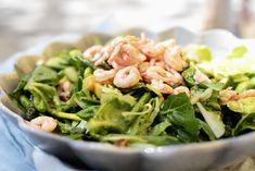 Salatdressingen som passer til alt! Seaweed Salad, Spinach, Vegetables, Ethnic Recipes, Food, Veggies, Veggie Food, Meals, Vegetable Recipes
