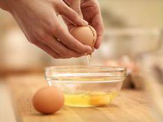 ¿Puedo tomar huevos si tengo el colesterol alto? Te lo explicamos: Los huevos son alimentos muy nutritivos imprescindibles en una dieta equilibrada.