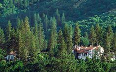 Château du Sureau, Oakhurst, California. The Best Resort Hotels in the Continental U.S.