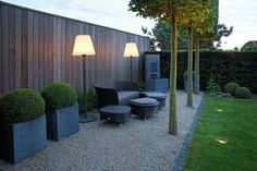 With soft lighting, the summer evening in the lounge garden can be extended as desired Backyard Fences, Backyard Landscaping, Backyard Designs, Modern Garden Design, Landscape Design, Back Gardens, Outdoor Gardens, Wood Trellis, Most Beautiful Gardens