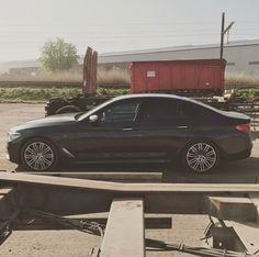 18 вподобань, 1 коментарів – BMW M550i xDrive (@bmw.m550i) в Instagram: «Powerful from every angle. #g30 #5series #bimmer #m550i #mperformance #bmw #v8»