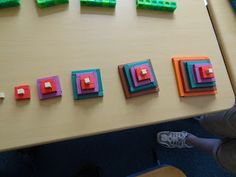 pinkmathematics: Make a pattern - pyramids with Cuisenaire rods