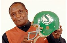 George Reed came in at No. 1 in our online poll that asked fans who was their favourite Roughriders player of all time. Go Rider, Saskatchewan Roughriders, Canadian Football League, Saskatchewan Canada, Green Colors, Football Helmets, Nostalgia, Pride, Fans