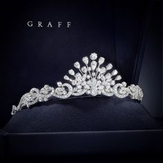 Another image of the Graff spray tiara