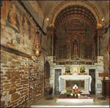 http://2.bp.blogspot.com/-4lIk1MjL47g/Twg_GH4JnOI/AAAAAAAAD_g/A5VwI446eiQ/s1600/interno+della+casa+di+loreto.jpg