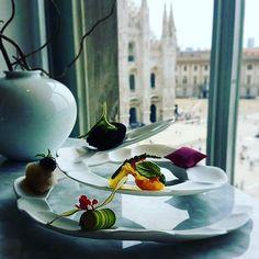 La storia dell'imprenditore che sta portando il superlusso nella Galleria di Milano. Leggetela su www.gamberorosso.it #food #duomo #milano #milan #restaurants #ristorantimilano #galleriamilano #imprenditore #ristoranti #instafood