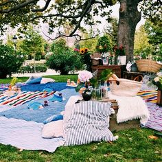 Picnicking in the park with Barcelona boutique agency, The Treasures