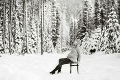 20 Stunning Winter Maternity Photos