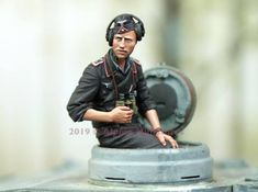 Alpine Miniatures has gone against the grain of making their perceived niche of late WWII Winter German Tanker crews with a pair o. The Modelling News, Military Action Figures, Pistol Holster, Tiger Tank, German Uniforms, Model Tanks, Tank I, Military Modelling, Military Diorama